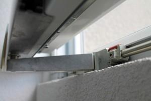 PVC Klizna vrata Novi Sad - detalj kliznog okova (2)