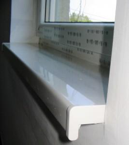PVC prozorska klupica sa zaobljenom prednjom stranom